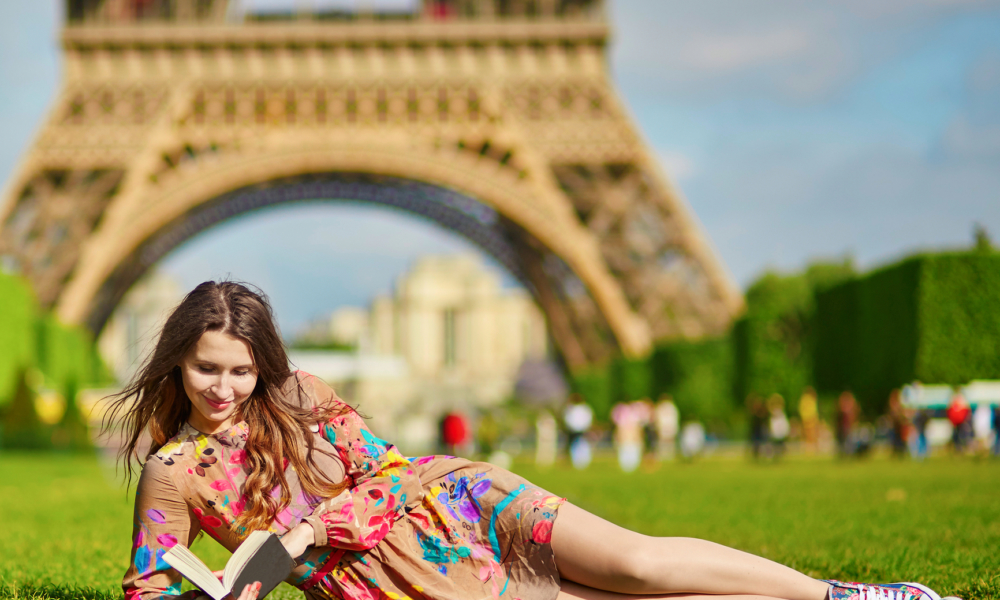 Tour Paris in a Da - Reading at Eiffel Tower